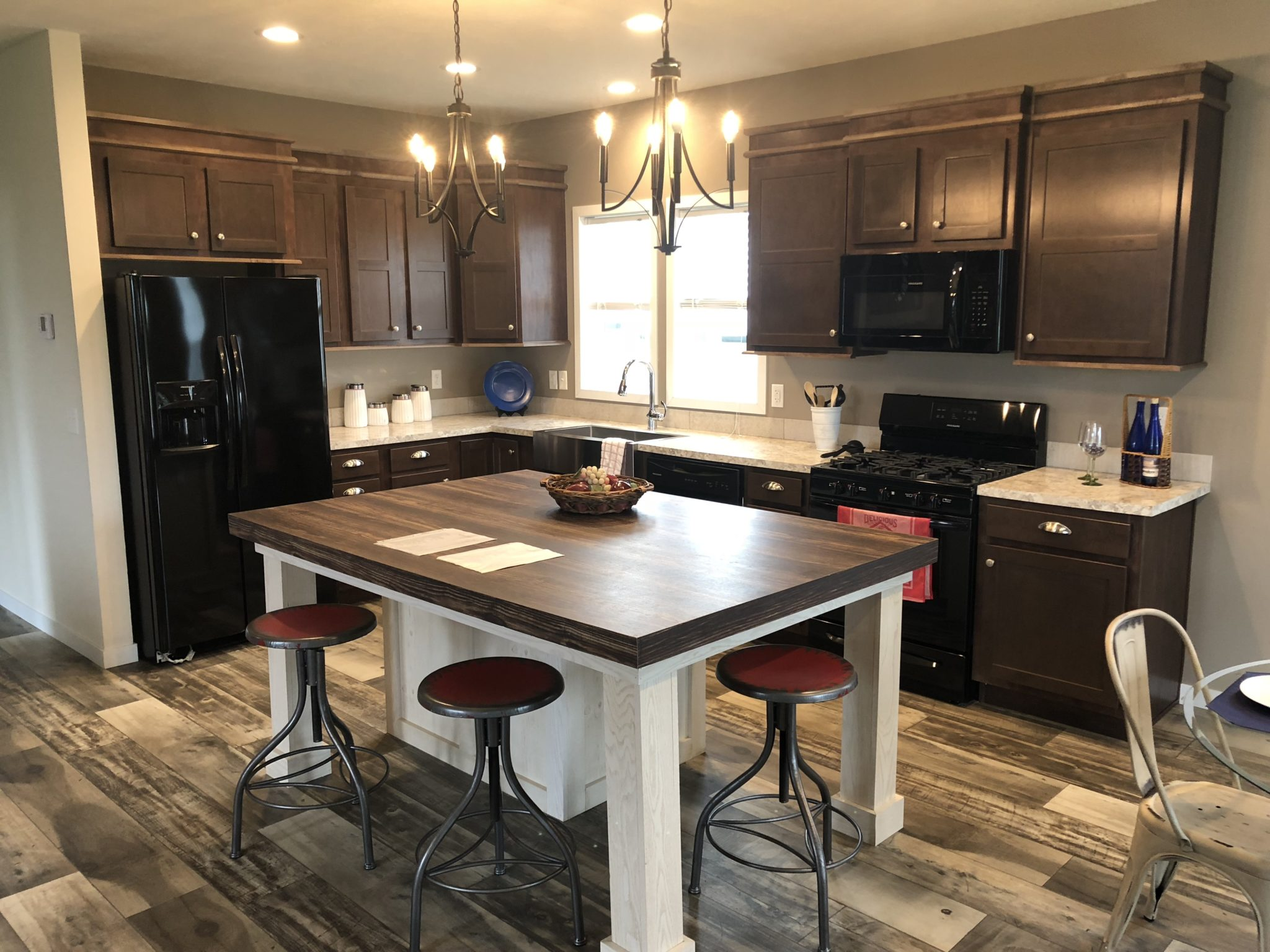 The Garfield custom modular home dine-in kitchen